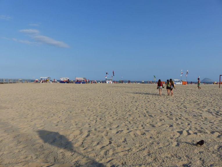 Copacabanalla oli tilaa Ipanemaa enemmän. Jostain syystä olin nuorena poikana haaveillut tänne pääsystä.