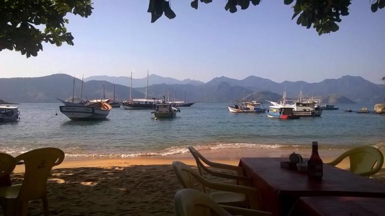 Japarizin kylä, josta minut taksivene vei takaisin veneelle