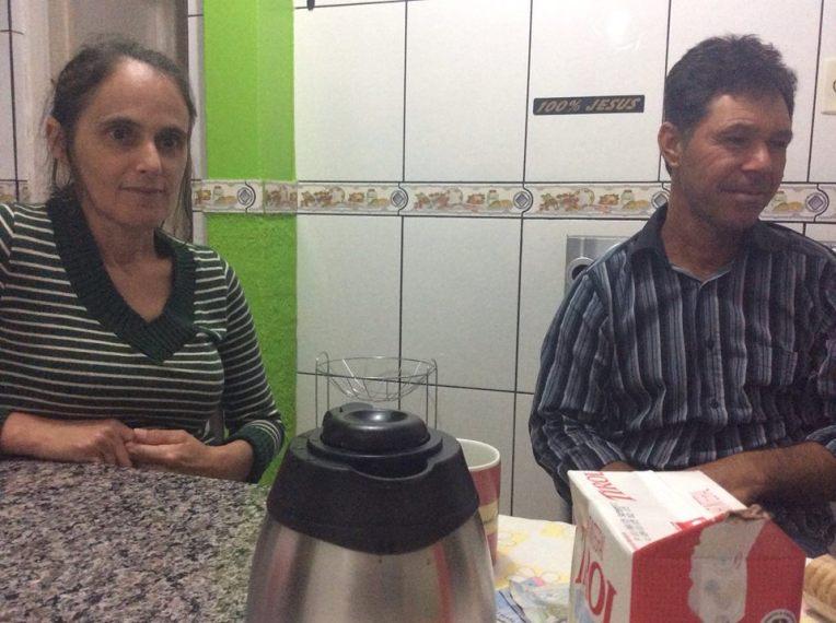 Silvanen ja Maurín kotona kahvilla